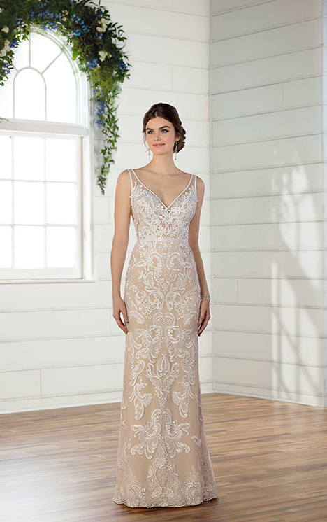 D2472 Wedding                                          dress by Essense of Australia