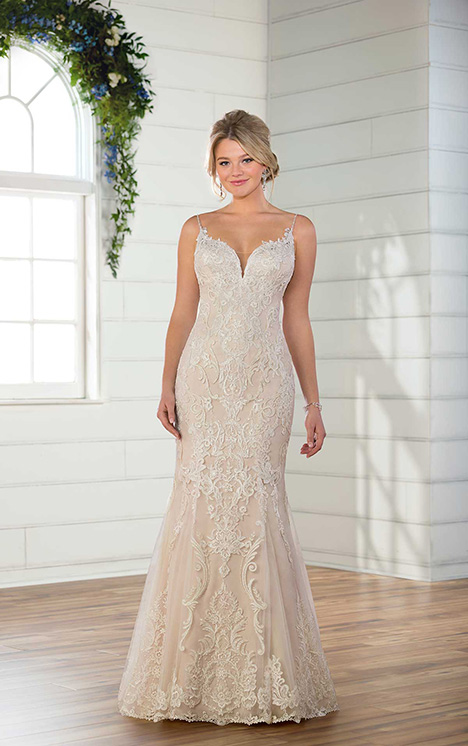 D2476 Wedding                                          dress by Essense of Australia