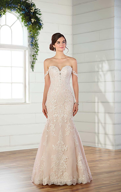D2487 Wedding                                          dress by Essense of Australia
