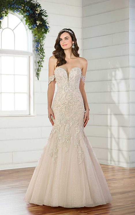 D2518 Wedding                                          dress by Essense of Australia