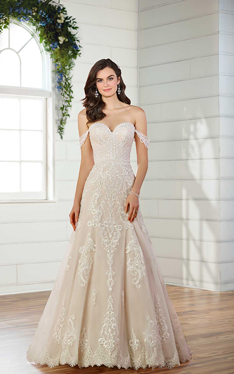 D2525 Wedding                                          dress by Essense of Australia