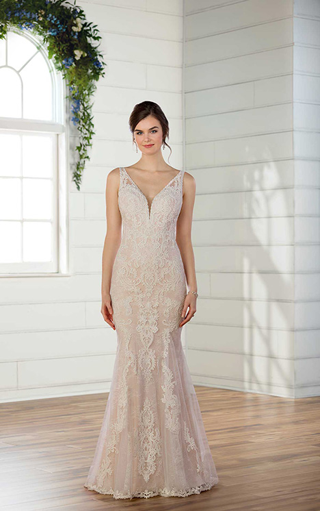 D2562 Wedding                                          dress by Essense of Australia