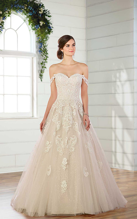 D2605 Wedding                                          dress by Essense of Australia