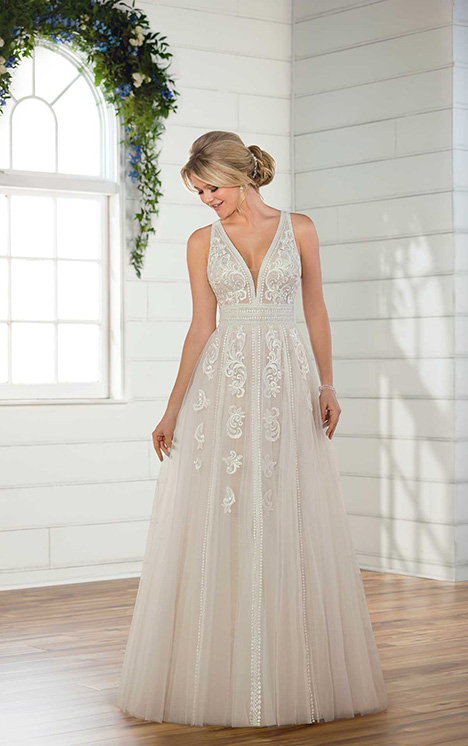 D2607 Wedding                                          dress by Essense of Australia