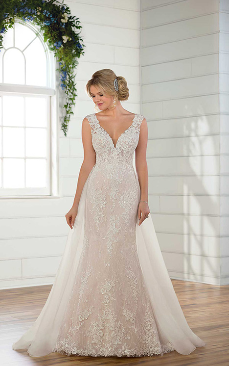 D2685 (+ overskirt) Wedding                                          dress by Essense of Australia