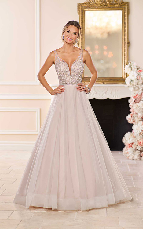 6724 Wedding                                          dress by Stella York
