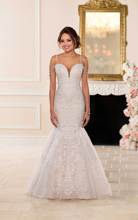 6743 Wedding                                          dress by Stella York