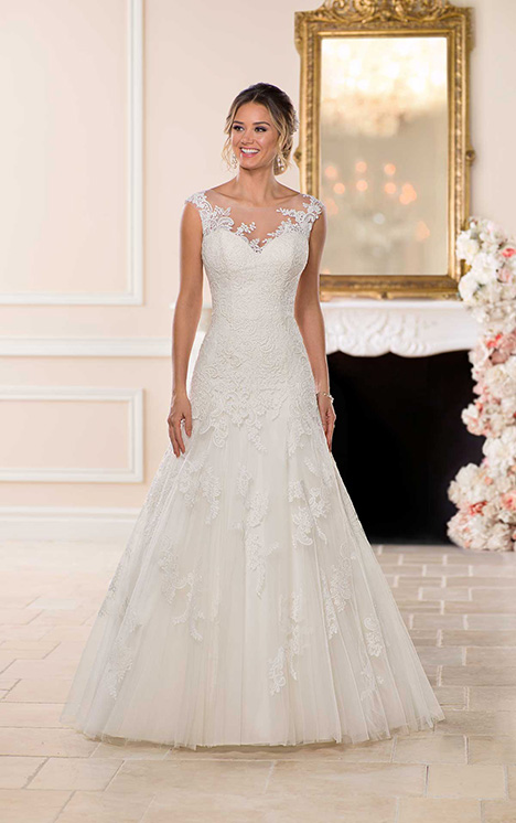 6748 Wedding                                          dress by Stella York