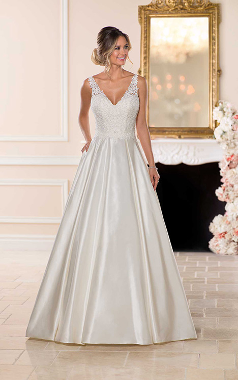 6749 Wedding                                          dress by Stella York