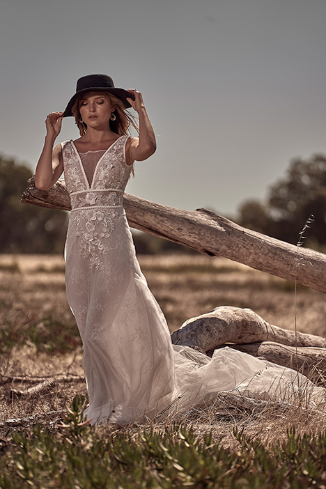 WA 6046-1Z Wedding                                          dress by White April