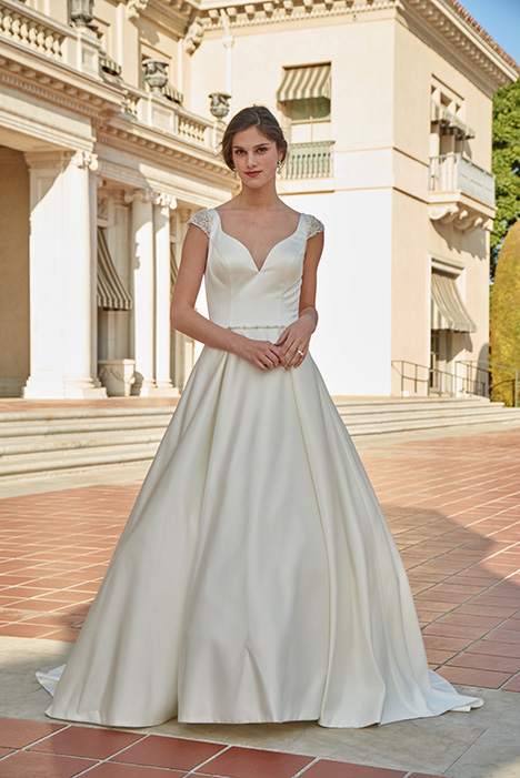 AT4716 Wedding                                          dress by Venus Bridal: Angel & Tradition