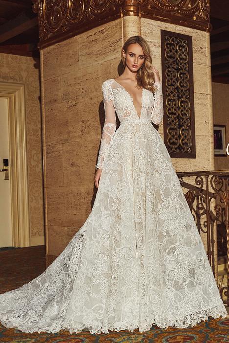 18231 Wedding dress by Calla Blanche