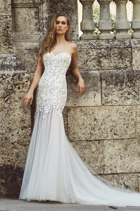 LA8224 Wedding                                          dress by L'Amour by Calla Blanche