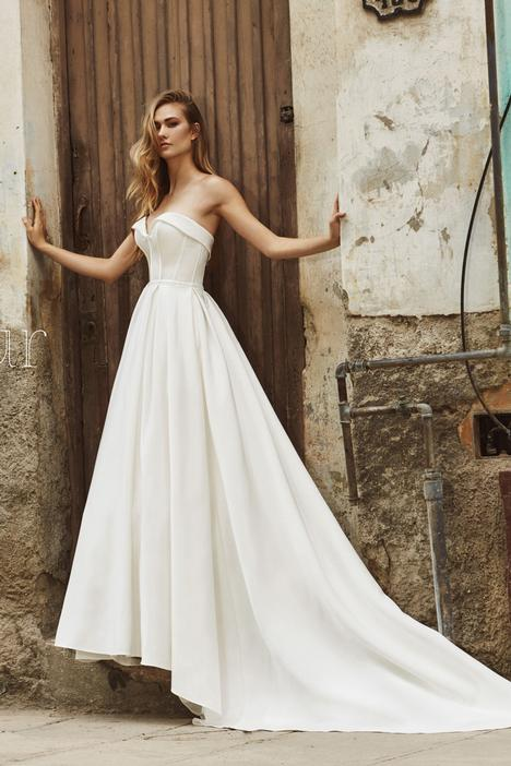 LA8238 gown from the 2018 L'Amour by Calla Blanche collection, as seen on dressfinder.ca