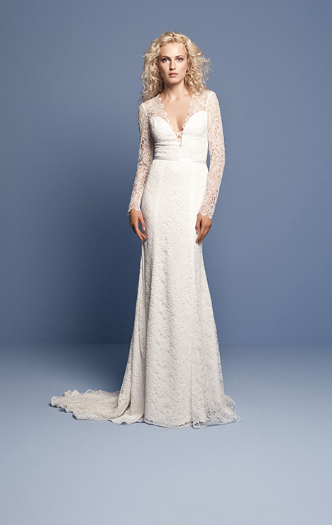 OCN 412 gown from the 2018 Daalarna collection, as seen on dressfinder.ca