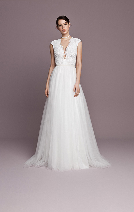 SNT571 gown from the 2018 Daalarna collection, as seen on dressfinder.ca