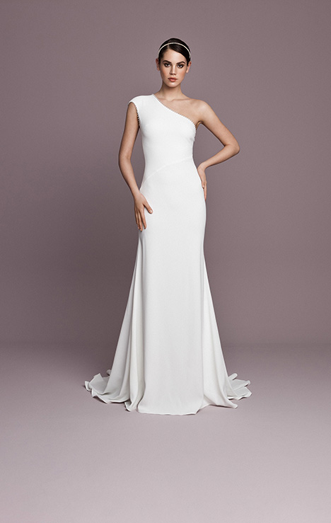 SNT596 gown from the 2018 Daalarna collection, as seen on dressfinder.ca