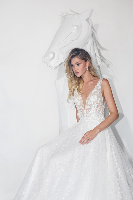 1905 gown from the 2019 Lavish by Persy collection, as seen on dressfinder.ca