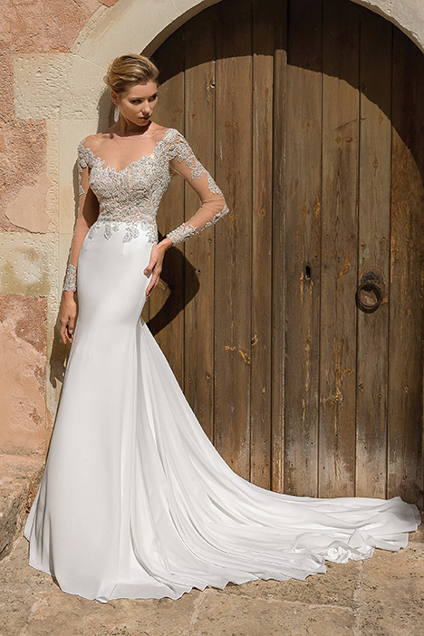 88037 Wedding                                          dress by Justin Alexander