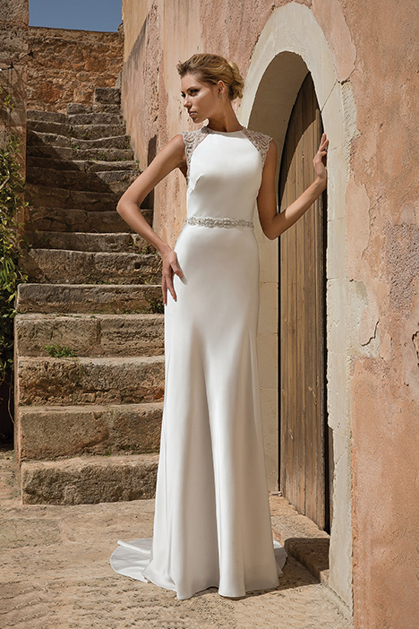 88042 Wedding                                          dress by Justin Alexander