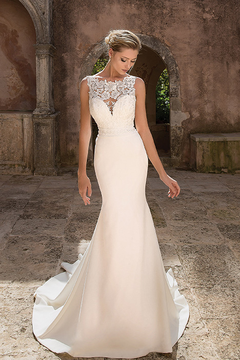 88045 Wedding                                          dress by Justin Alexander