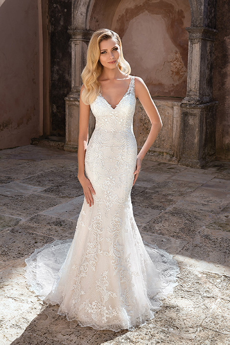88047 Wedding                                          dress by Justin Alexander