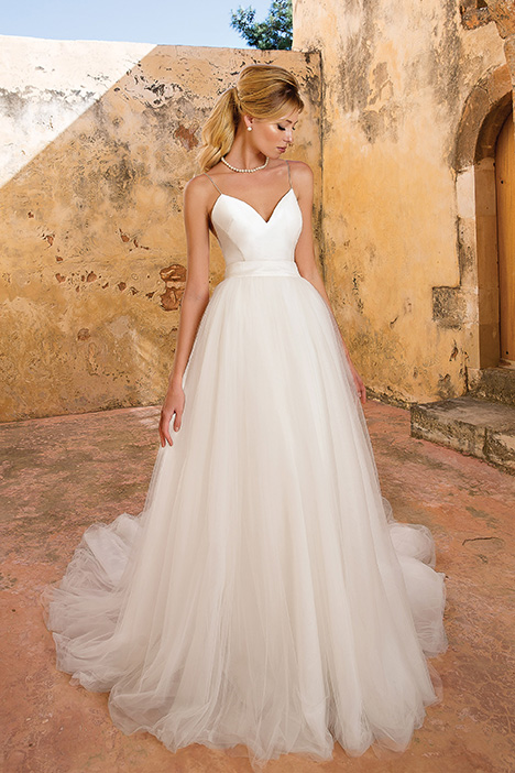 88065 Wedding                                          dress by Justin Alexander