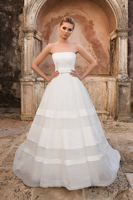 88066 Wedding                                          dress by Justin Alexander