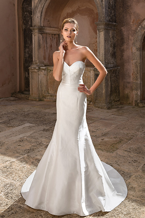 88067 Wedding                                          dress by Justin Alexander