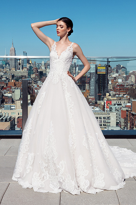 99025 Wedding                                          dress by Justin Alexander Signature