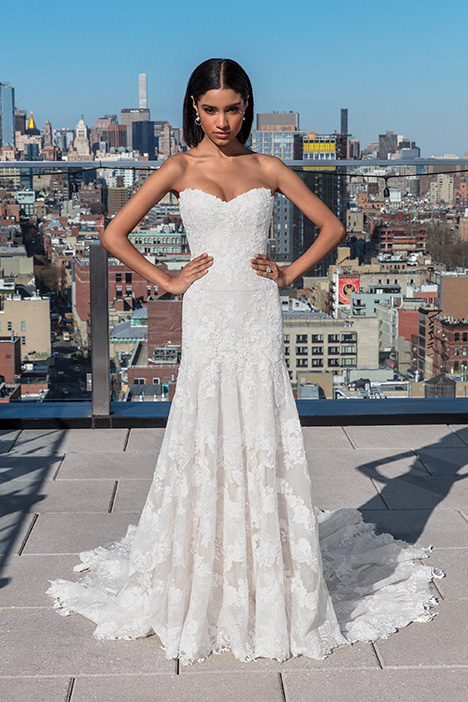 99027 Wedding                                          dress by Justin Alexander Signature
