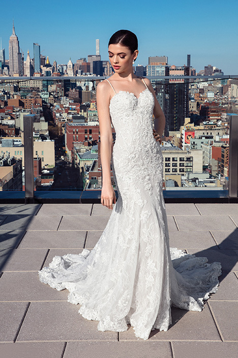 99028 Wedding                                          dress by Justin Alexander Signature