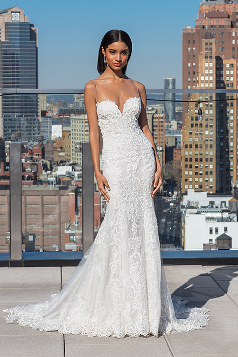 99032 Wedding                                          dress by Justin Alexander Signature