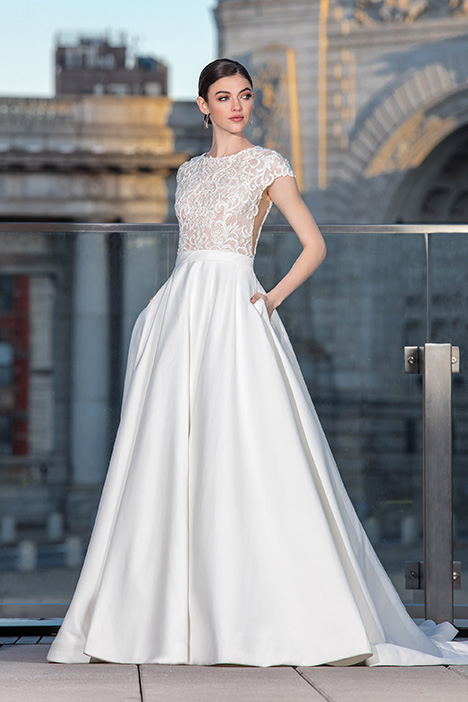 99033 Wedding                                          dress by Justin Alexander Signature