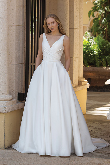 44080 Wedding                                          dress by Sincerity