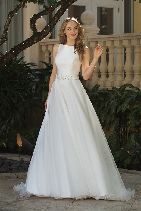 44083 Wedding                                          dress by Sincerity