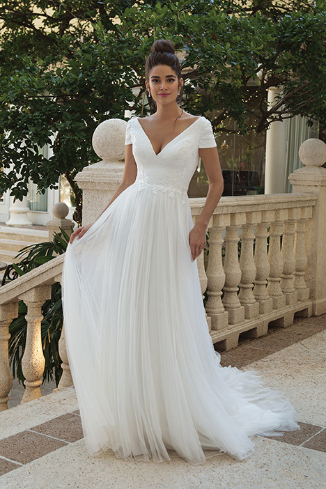 44089 Wedding                                          dress by Sincerity