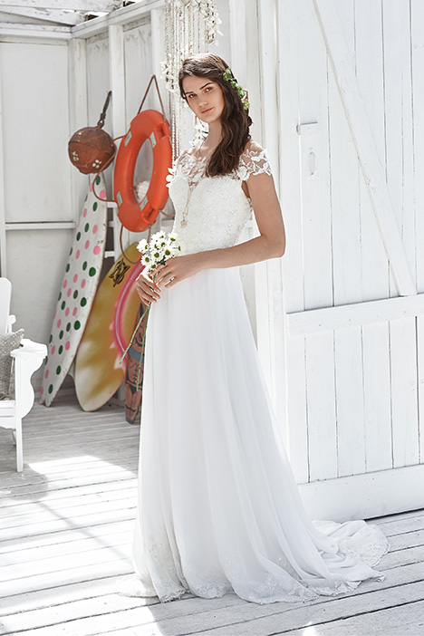 66037 Wedding                                          dress by Lillian West