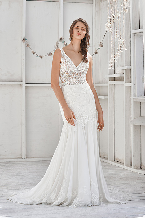 66040D Wedding                                          dress by Lillian West