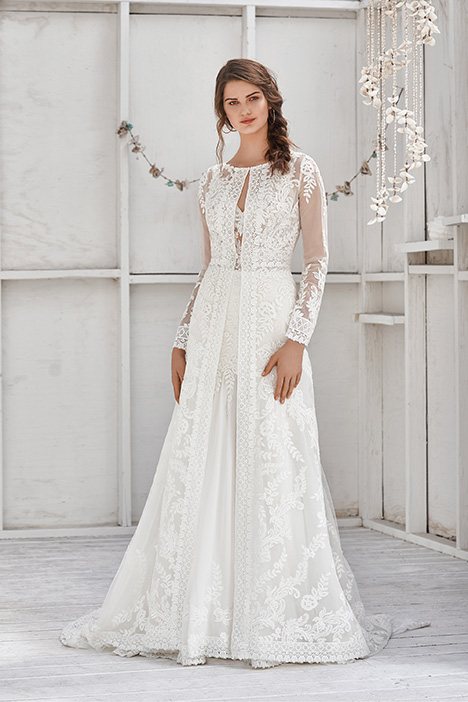 66040 Wedding                                          dress by Lillian West