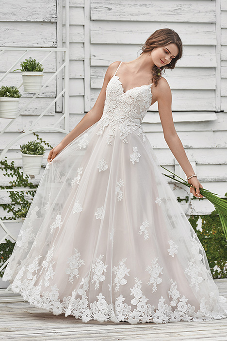 66045 Wedding                                          dress by Lillian West