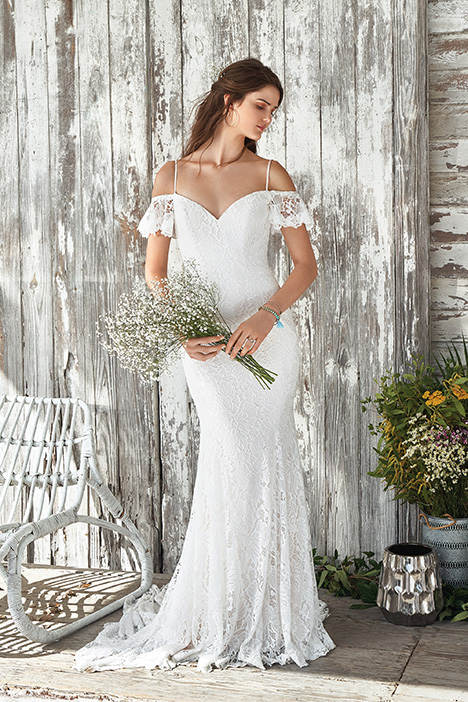 66047 Wedding                                          dress by Lillian West