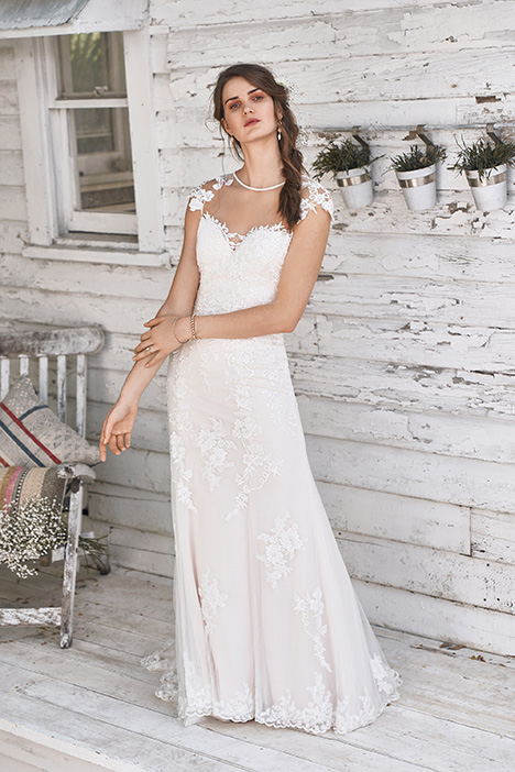 66048 Wedding                                          dress by Lillian West