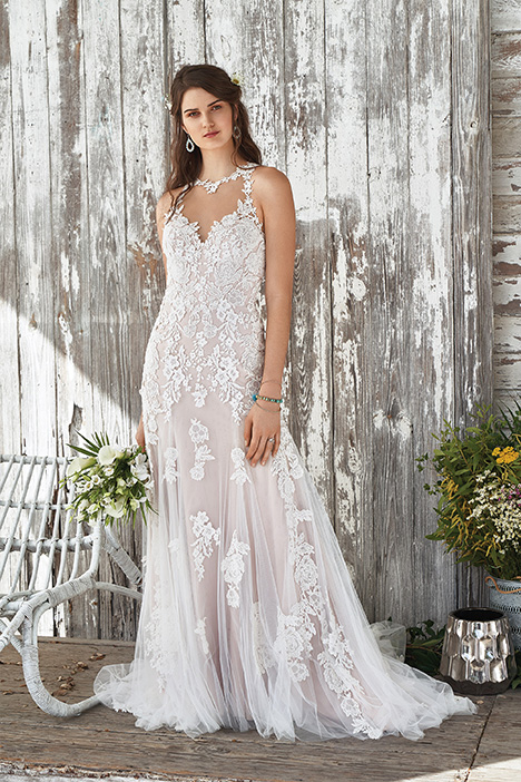 66050 Wedding                                          dress by Lillian West