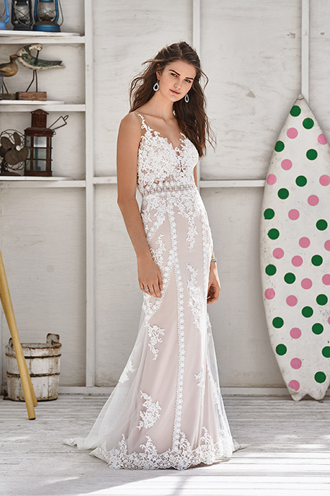66052 Wedding                                          dress by Lillian West