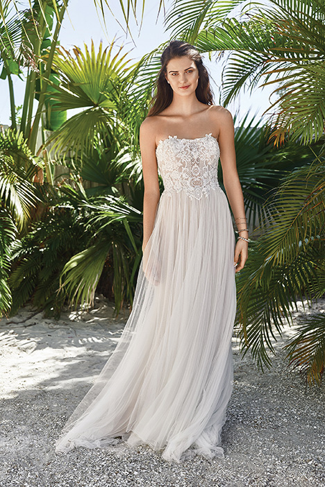 66053D Wedding                                          dress by Lillian West