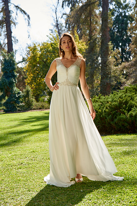 PA9312 gown from the 2018 Venus Bridal: Pallas Athena collection, as seen on dressfinder.ca