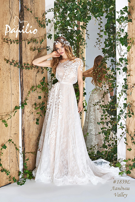 1839L gown from the 2018 Papilio Bridal collection, as seen on dressfinder.ca