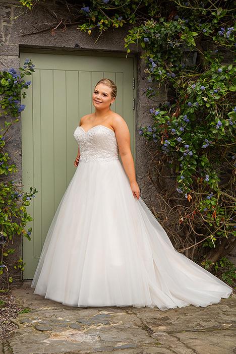 bb19525 Wedding                                          dress by Beautiful Brides Plus