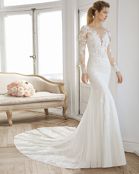 EIRA Wedding                                          dress by Aire Barcelona Bridal
